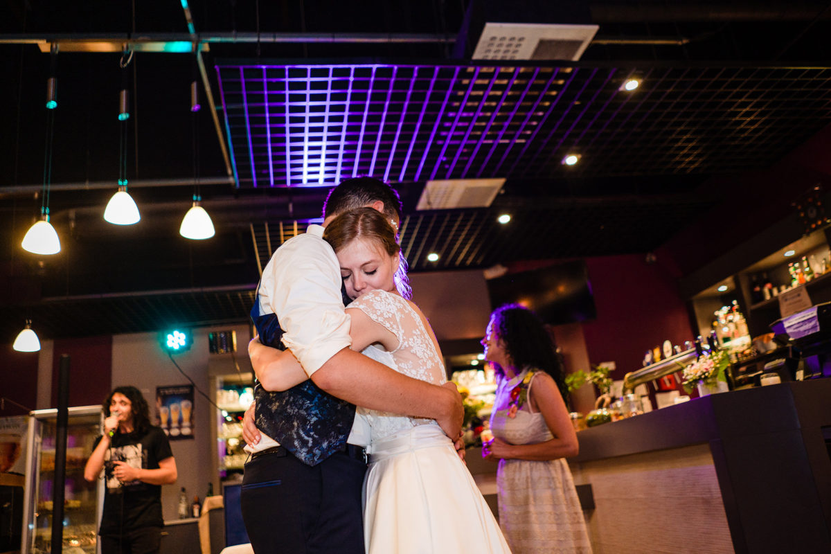 I want to hug you - Wedding in French Alps